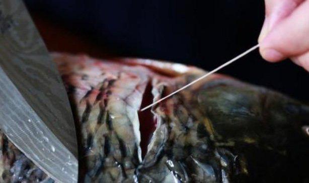 Không cần giấm hay rượu, cá tanh mấy cũng hết sạch mùi chỉ cần biết điểm duy nhất này khi làm cá - 1
