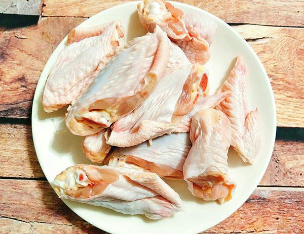 Cánh gà chiên nước mắm giòn, ngon ăn hết cả đĩa mà không thấy chán - Ảnh 2.