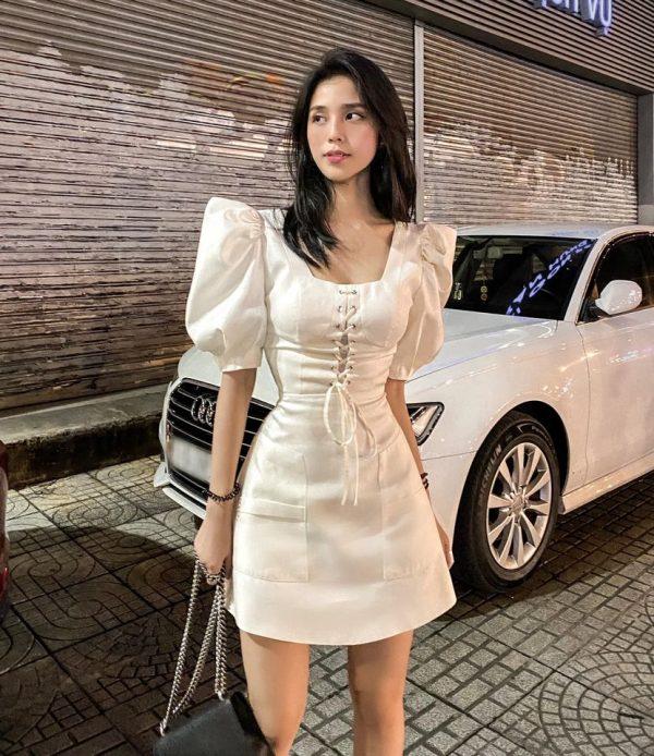 Chân dung cô gái Sài Gòn mua xe máy và điện thoại mới cho chú xe ôm - Ảnh 5