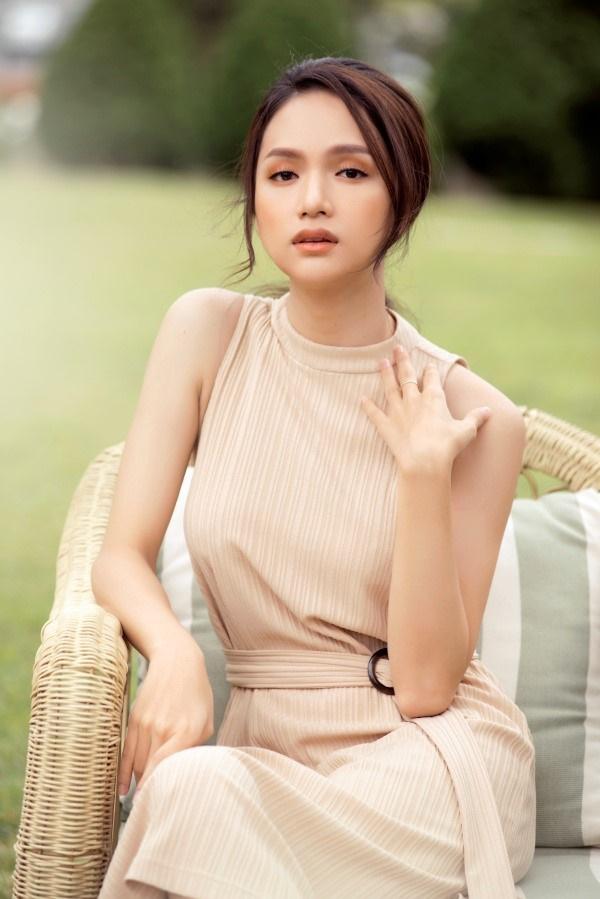 Đang yên lành, Hương Giang đăng status bóng gió khiến fans lo lắng - Ảnh 4